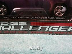 1/18 HIGHWAY 61 CLASSIC PLUM CARZY With WHITE STRIPE 2010 DODGE CHALLENGER R/T